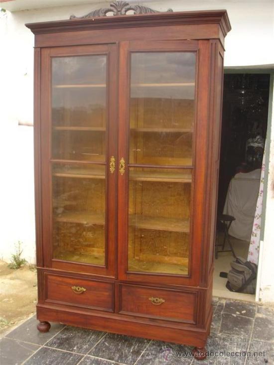 vitrina de madera antigua  Comprar Vitrinas Antiguas en