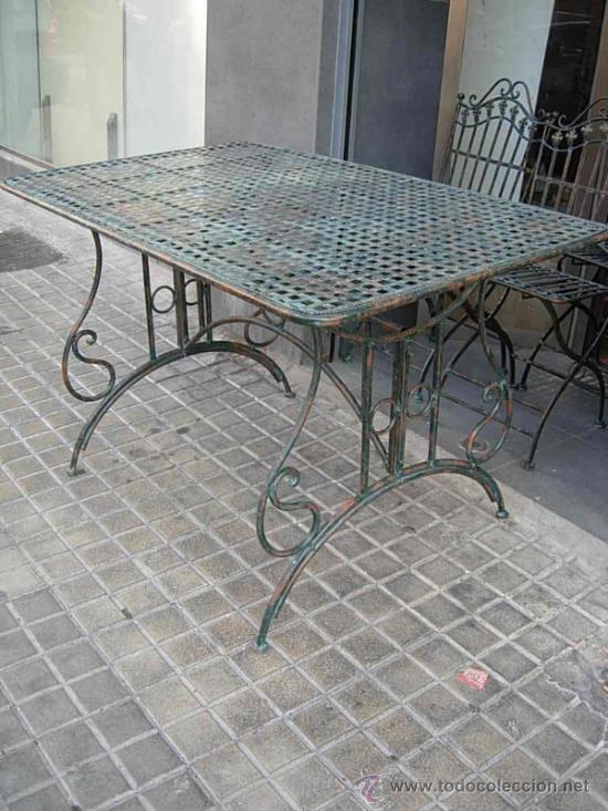 Mesa de terraza o jardin de hierro  Vendido en Venta