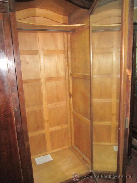 gran armario de tres puertas en madera 2 metro  Comprar