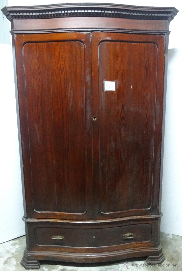 armario ropero madera nogal siglo xx311  Comprar