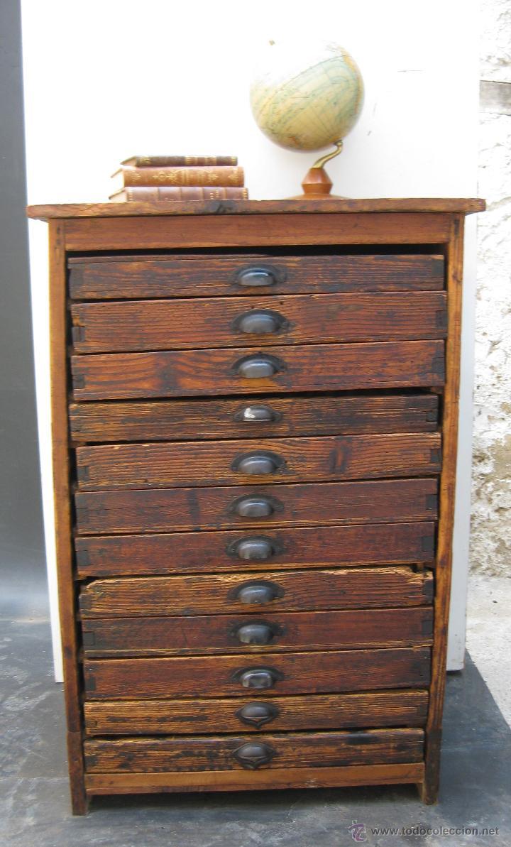 fantastico mueble antiguo madera cajonera de im  Comprar