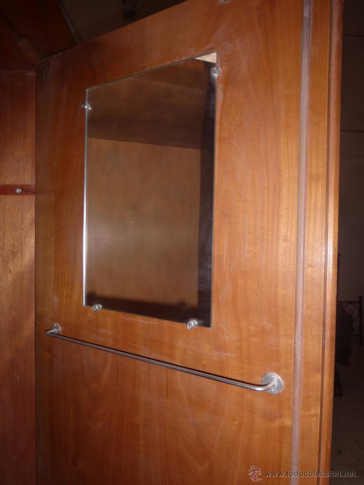 antiguo armario ropero de madera de roble de tr  Comprar