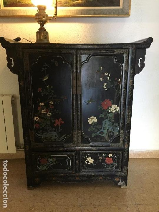 Mueble Negro Lacado