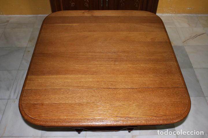 Mesa de comedor extensible estilo isabelino  Vendido