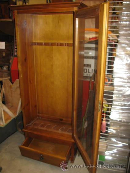 bonito armario armero de madera con puerta de c  Comprar