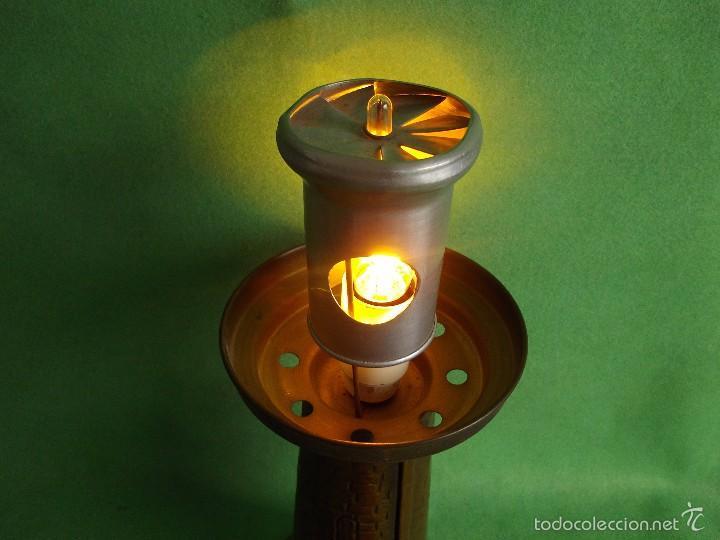 Genial lampara faro sobremesa luz giratoria lat  Vendido