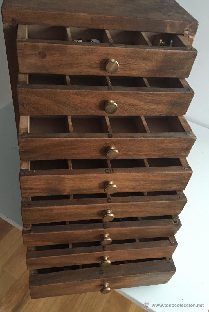 Antiguo mueble cajonera organizador  en madera  Vendido