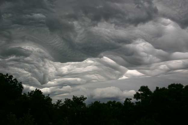 Asperatus cloud formation by Elaine Patrick