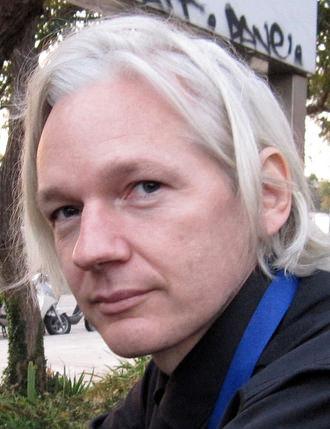 https://i0.wp.com/cloudfront-assets.reason.com/assets/mc/_external/2012_07/julian-assange.jpg