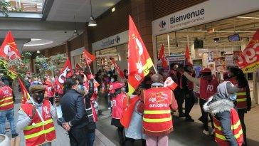 A Aubervilliers, les employés de Carrefour ne veulent pas être franchisés