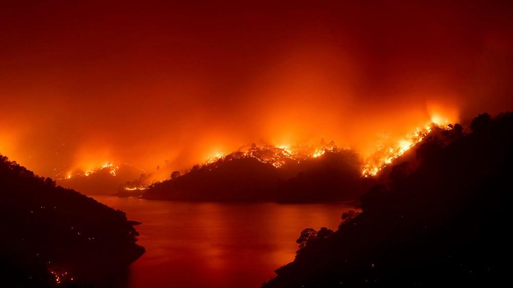 Vista panorámica de los incendios en California (AP Photo/Noah Berger)