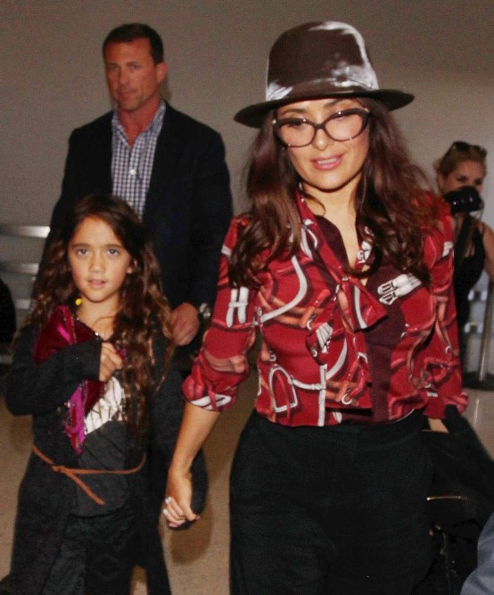 Valentina Paloma is often to accompany his mother to some events from the world of entertainment (Photo: Twitter@luvClebs)