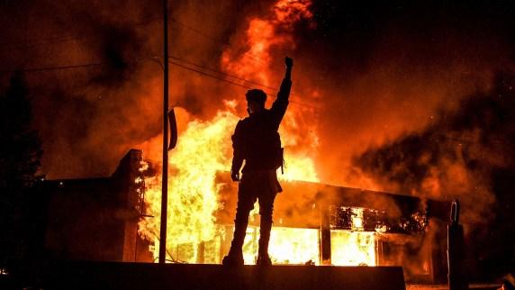 Las protestas en Minneapolis, Minnesota, fueron las más violentas (Chandan KHANNA / AFP)