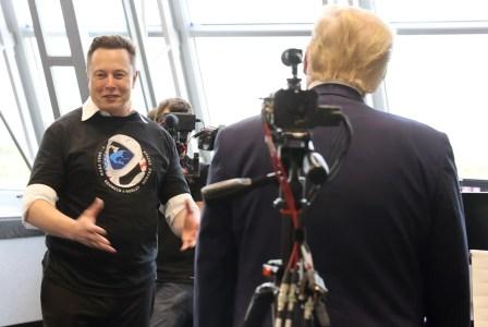 El Presidente de los Estados Unidos Donald Trump felicitó a Elon Musk, el dueño de Space X, luego del lanzamiento