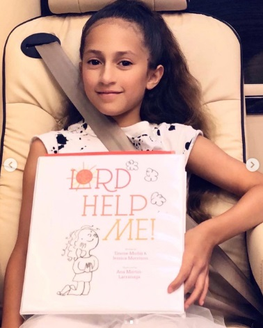 Lord Help Me is the title of the first book that he wrote Emme (Photo: Instagram Jennifer Lopez)