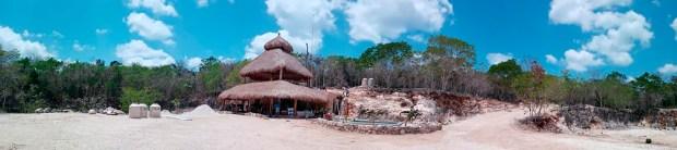 El lugar está ubicado al costado del camino que une Tulum y la pirámide de Cobá