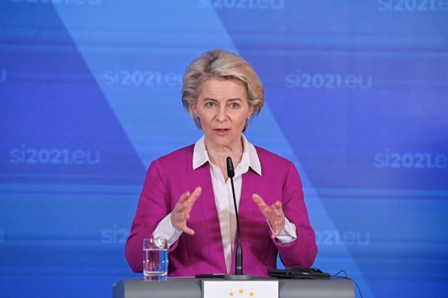 European commission President Ursula von der Leyen address a media conference at the conclusion of  EU- Western balkans summit in Brdo pri Kranju, Slovenia, October 6, 2021. /Handout via REUTERS