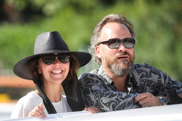 Actor and director Maggie Gyllenhaal and actor Peter Sarsgaard arrive the day before the start of the 78th Venice International Film Festival, in Venice, Italy, August 31, 2021. REUTERS / Yara Nardi