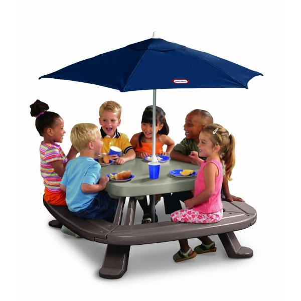 Little Tikes Fold ' Store Picnic Table With Market Umbrella Oj Commerce 451a10070 - 172.99