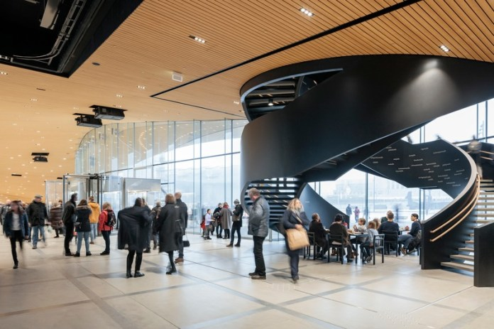 Press kit | 3977-01 - Press release | Helsinki Central Library Oodi - ALA Architects - Institutional Architecture - Ground Floor - Double Helix Stair - Photo credit: Tuomas Uusheimo
