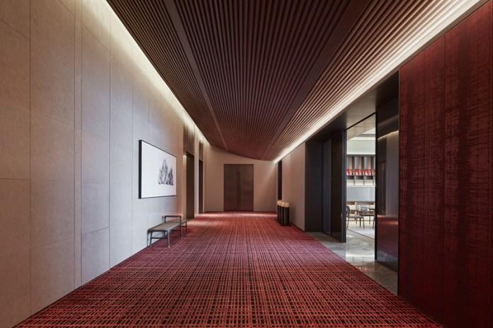 Press kit   3531-02 - Press release   Joya Hotel Hangzhou - Vermilion Zhou - Commercial Interior Design - 27F Aisle - Photo credit: Yunpu Cai<span></span>