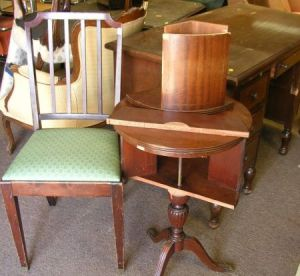 chair side book stand rent covers edmonton search all lots skinner auctioneers walnut flat top double pedestal desk a regency style mahogany revolving drum