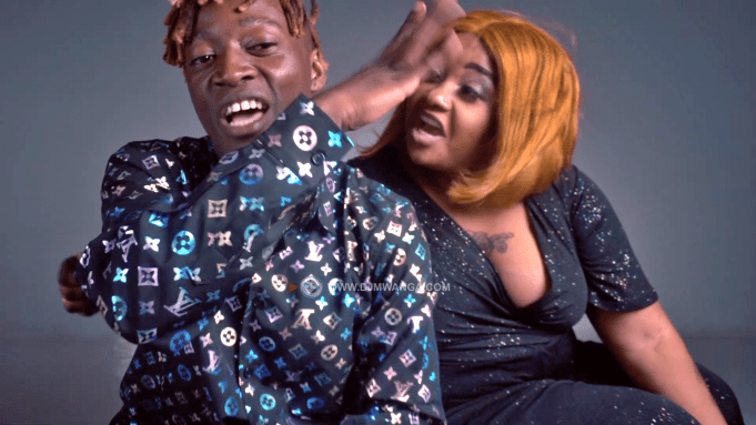 VIDEO: Mzee Wa Bwax Ft Shilole – Akutake Nani Mp4 Download
