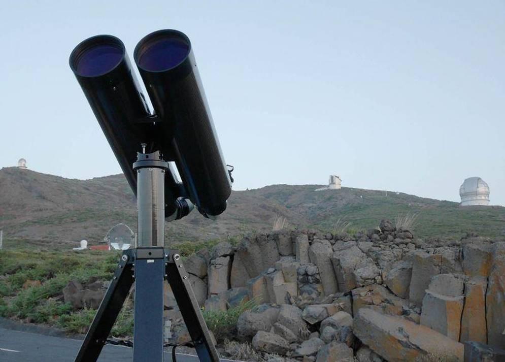 A 160 mm 63 f65 binocular telescope  Articles