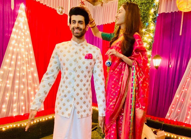 When Namik Paul replaced the Christmas tree for Erica Fernandes