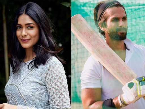 Shahid's first look in the movie Jersey alongside Mrunal Thakur.