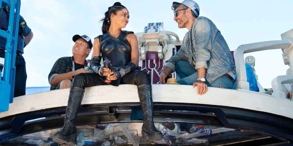 Tessa Thompson and Taika Waititi on the set of Thor Ragnarok 2