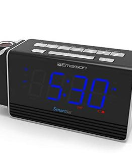 Projection Alarm Clock Radio with USB Charging for Iphone