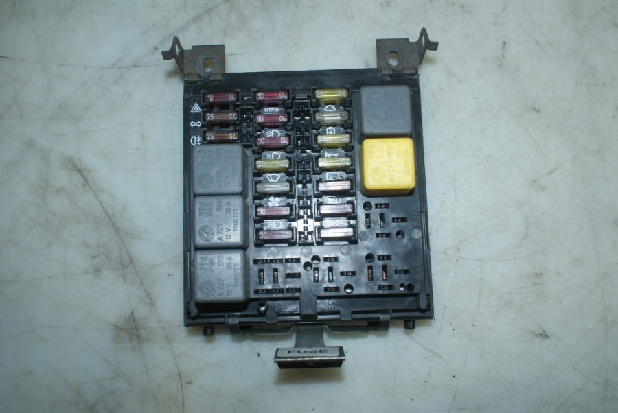 medium resolution of fuse box with slight damage alfa romeo 916 gtv spider 1998 2005