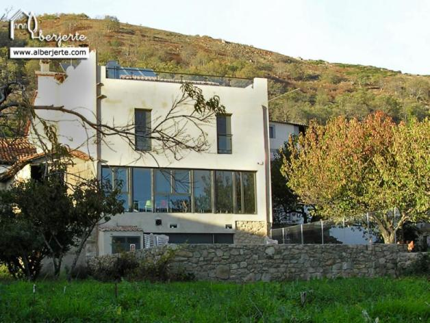 alojamiento-rural-valle-del-jerte-albergue-edificio