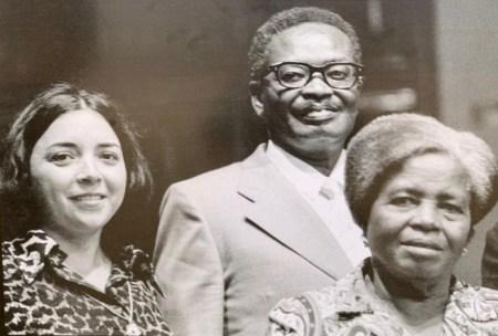 """""""Não era bem assim"""" sonho do fundador de Angola, diz viúva"""