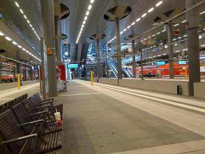 Morgens früh am Berliner Hauptbahnhof
