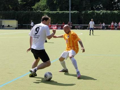 Die Turnerschaft tanzt die Hertha aus