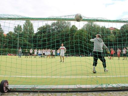 Der Ball zappelt im Netz