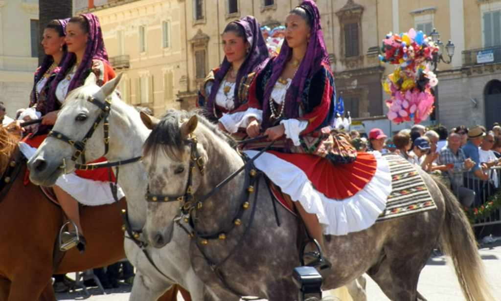 The sardininan Cavalcade Women
