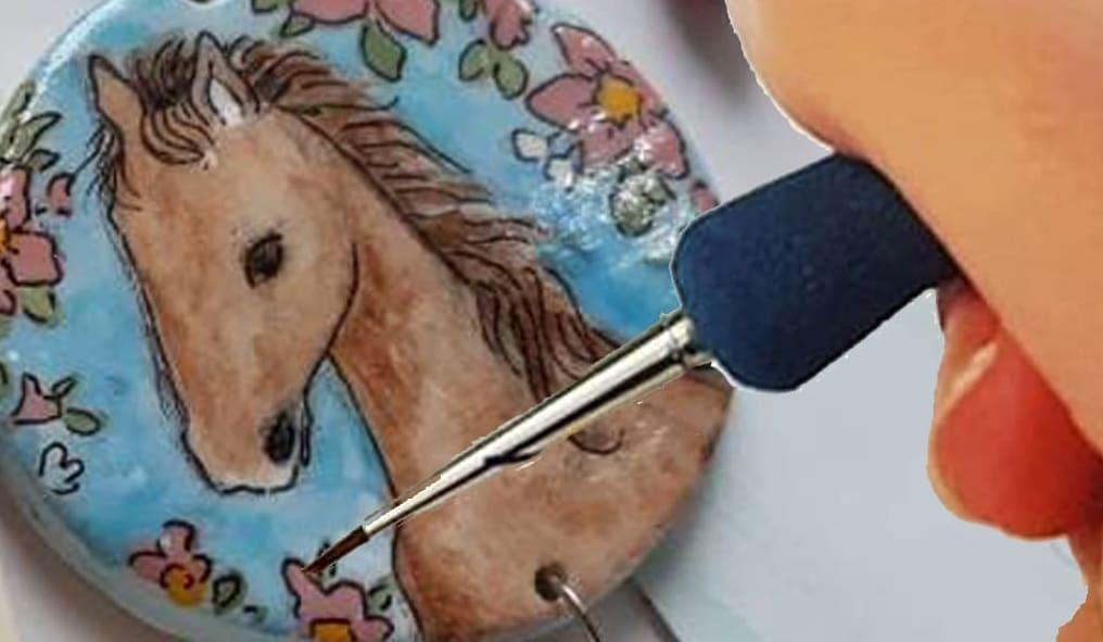 gioielli in ceramica di Vietri pittura