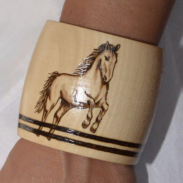 Horse Jumping Bracelet 7 Wear