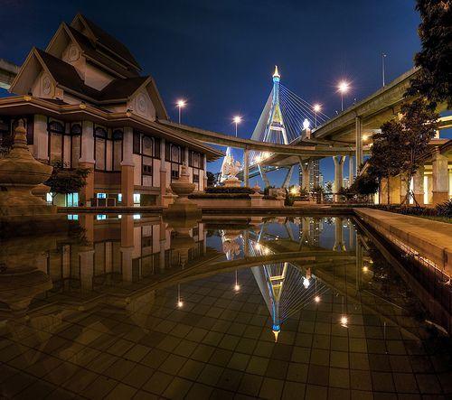 Bhumibold Bridge Reflection, por MikeBehnken