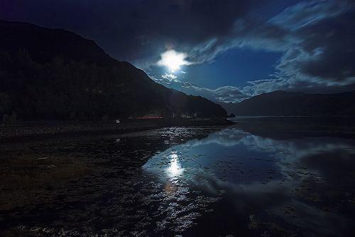Loch Duich from Eilean Donan, por atomicjeep
