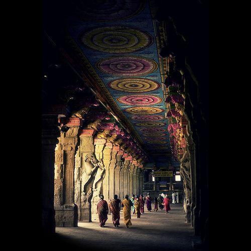 Approaching GOD - Temple Friday!!!, por VinothChandar
