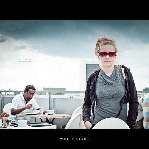 White Light, por Hallenser