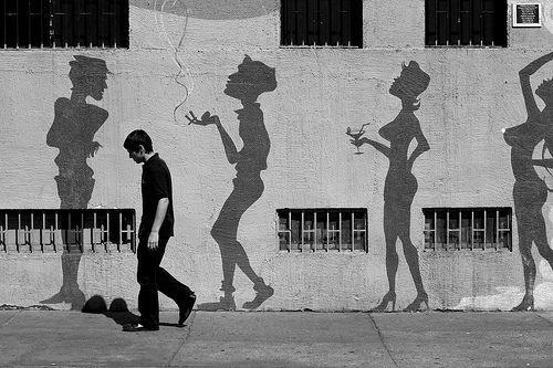 The Streets of Santiago, People seem Strange when you're a Stranger, por geezaweezer