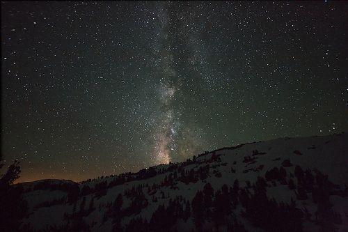 Milky Mountain, por John Loo