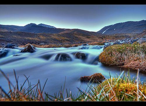 Milky Stream by Mt. Skarðsheiði, por Ásgeir Kröyer