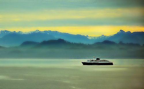 Misty Morning Sunrise - Alaska Landscape, por blmiers2
