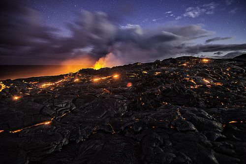 Lava Surface Flow Under the Stars, por Bill Shupp